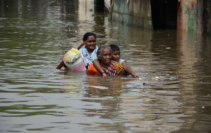 women-walk-chennai-floods